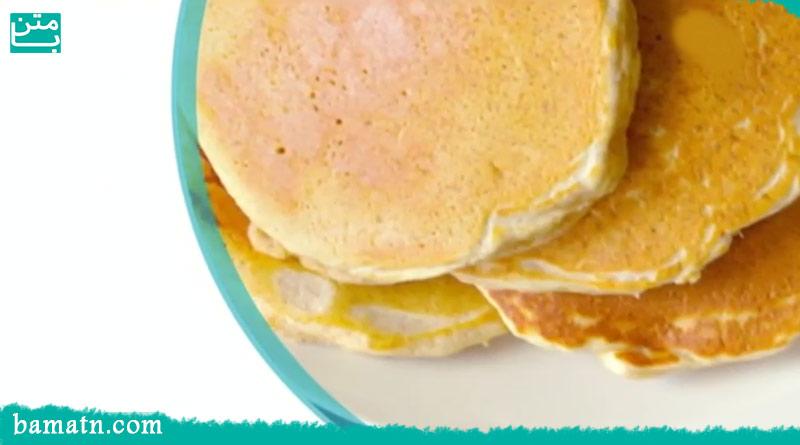 آموزش طرز تهیه پنکیک ساده موز و جو پرک خوشمزه بدون فر
