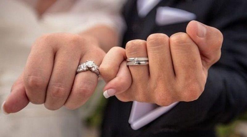 مناسب ترین فاصله سنی برای ازدواج چقدر باشه خوبه؟